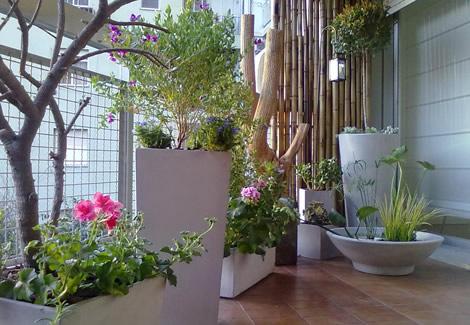 Macetas para balcon plantas aromticas para el balcn cules - Macetas para balcones ...